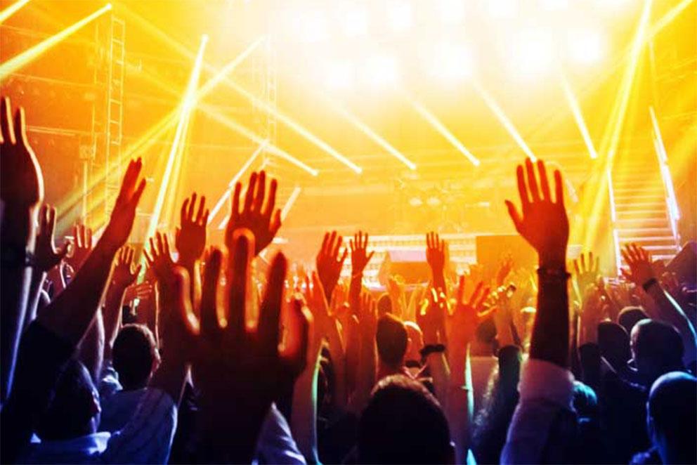 Menschen bei Konzert
